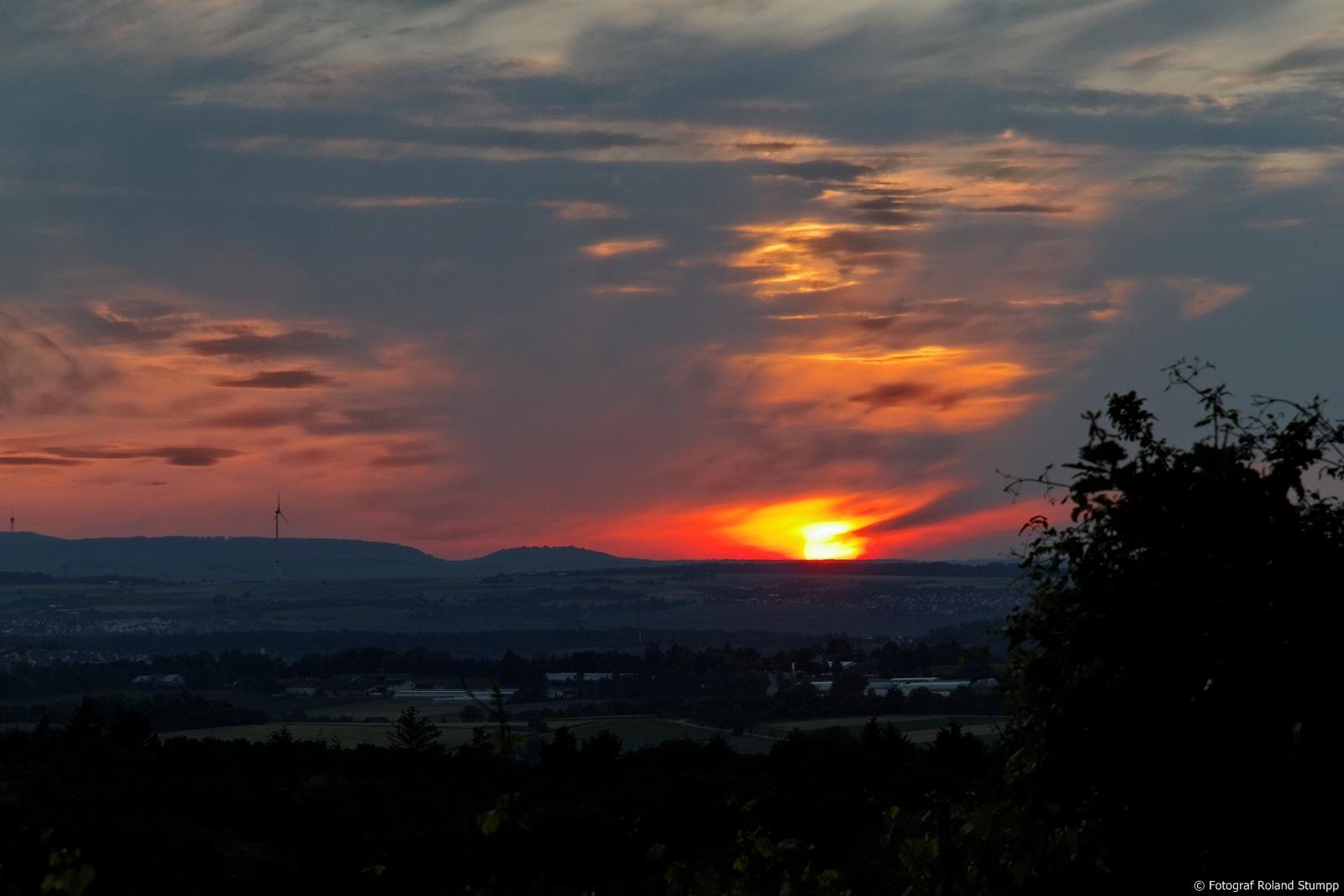 Sonnenuntergang in Affalterbach vom Lemberg Richtung Ludwigsburg